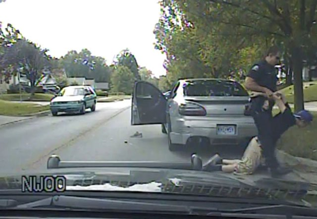 What Are My Rights During A Traffic Stop >> Dashcam video shows ex-officer's excessive force arrest - WNEM TV 5