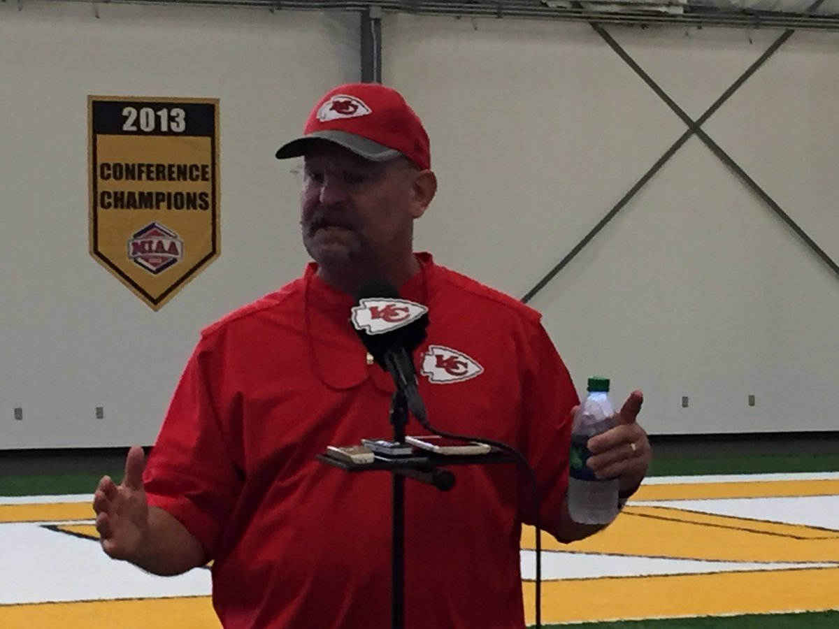 Andy Reid duplicate takes over Chiefs press conference