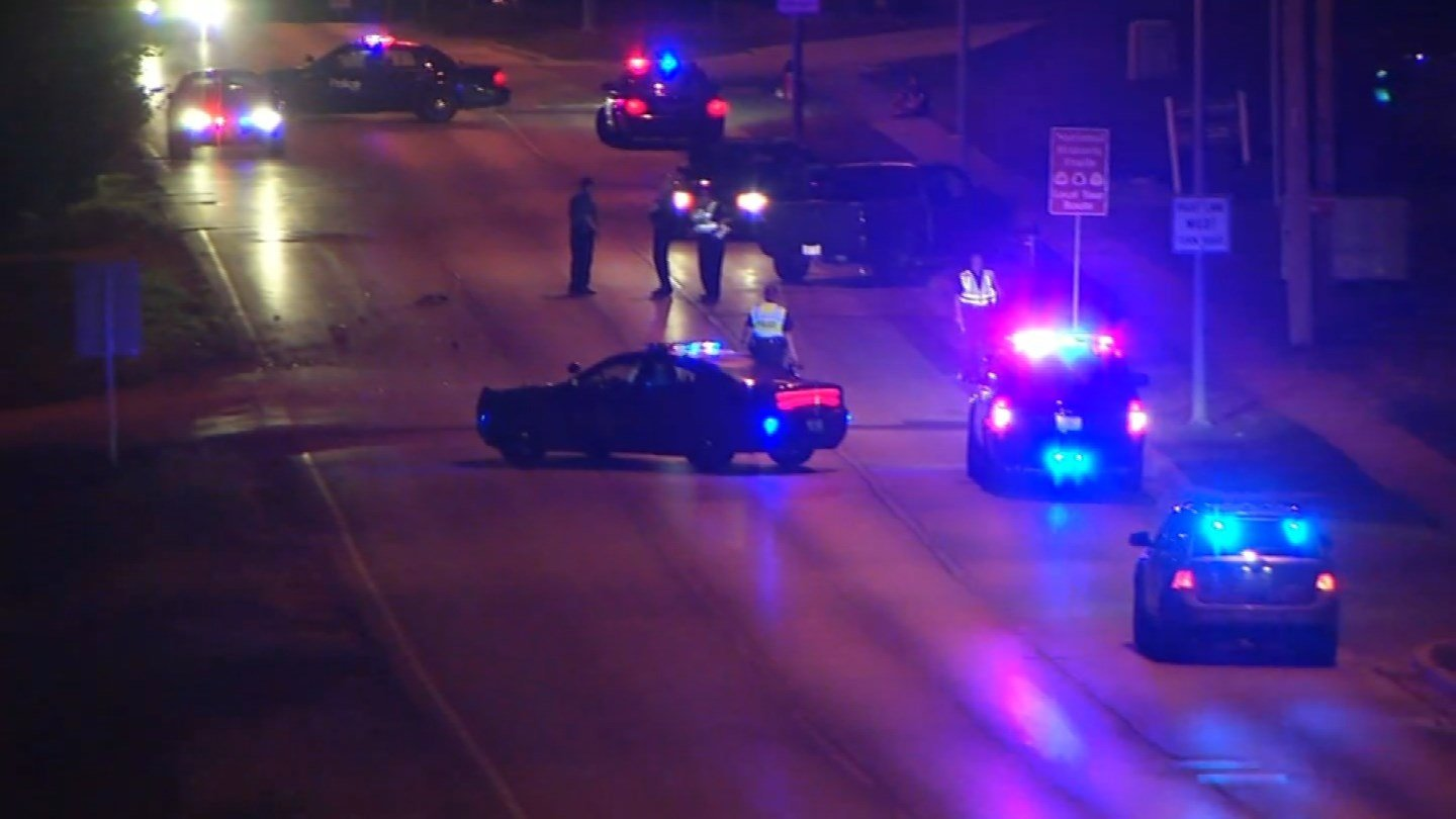 Driver in south Kansas City wreck that caused gas leak dies