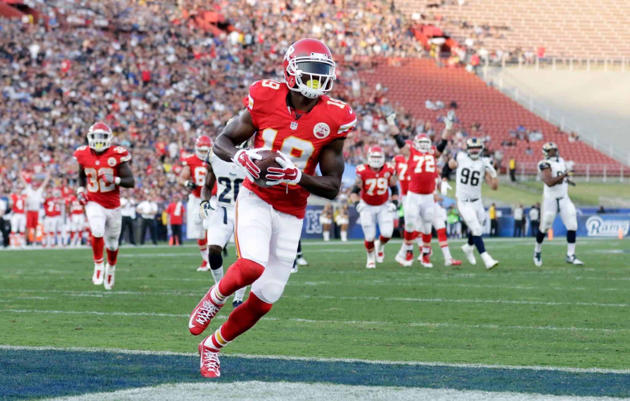 The Kansas City Chiefs lead the Los Angeles Rams 20-14 after three quarters of play. Early on, Jeremy Maclin scored a touchdown. (AP)