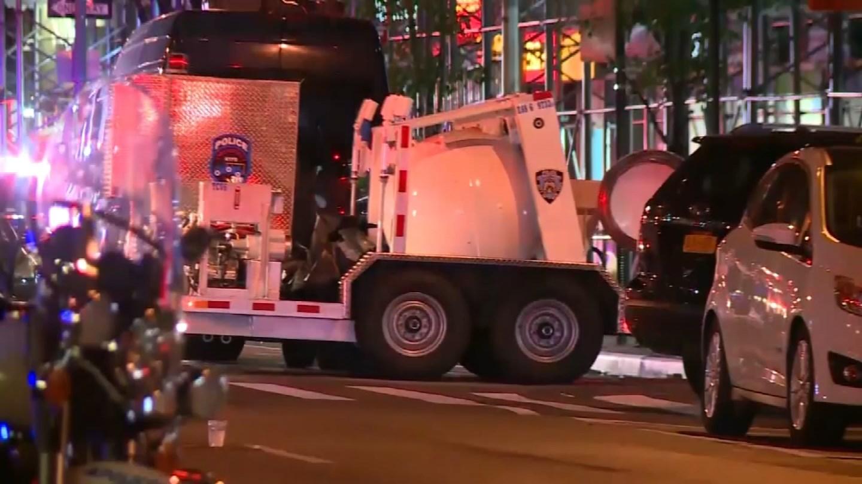 Nearly 30 people were hurt following an explosion in New York City Saturday night. (CBS Newspath)