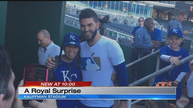 Young girl battling cancer surprised by Eric Hosmer, Royals staff