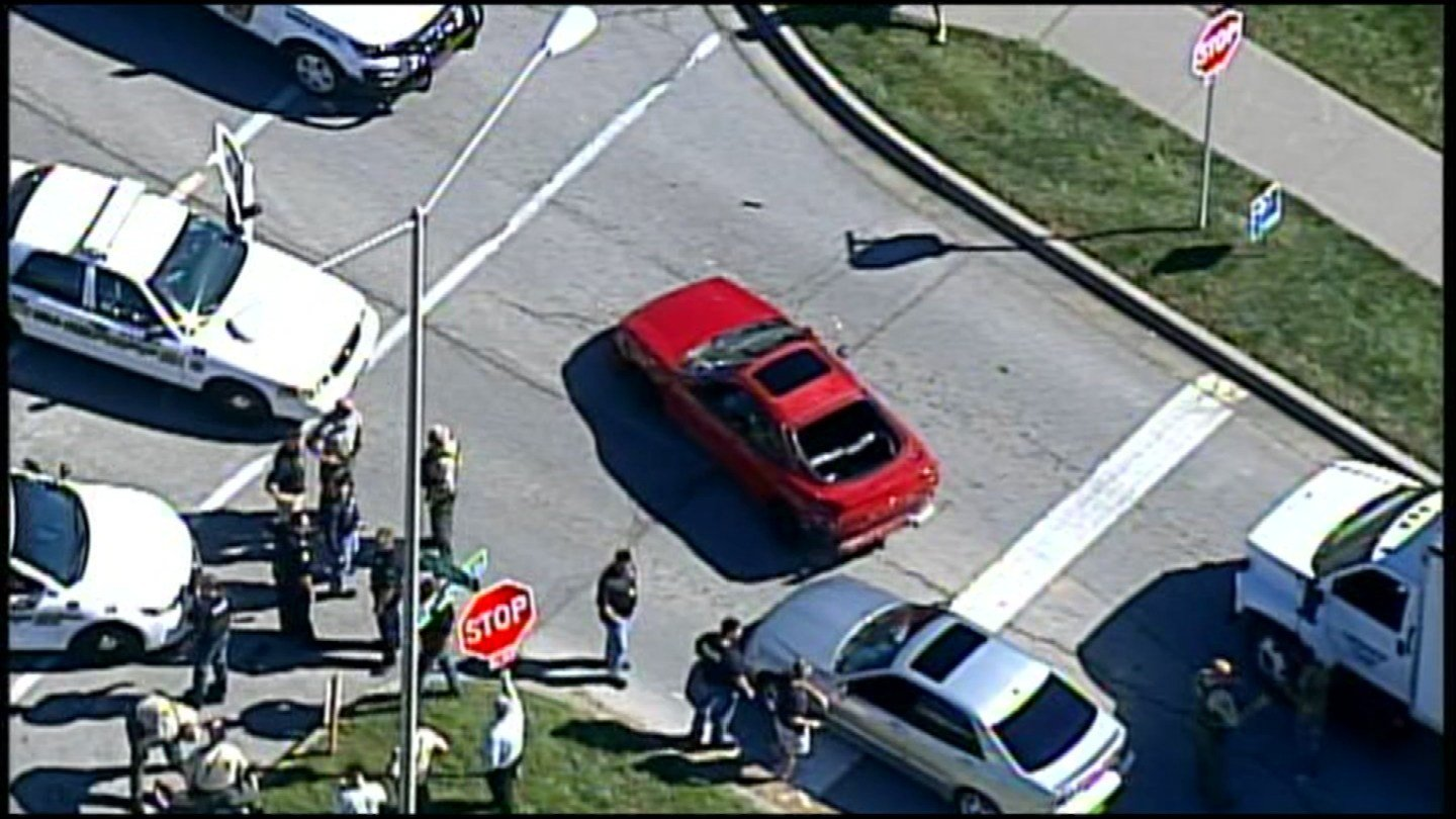 It happened at 96th Street and Flintlock Road. Police say the suspect was wanted on a felony charge. (Chopper5)