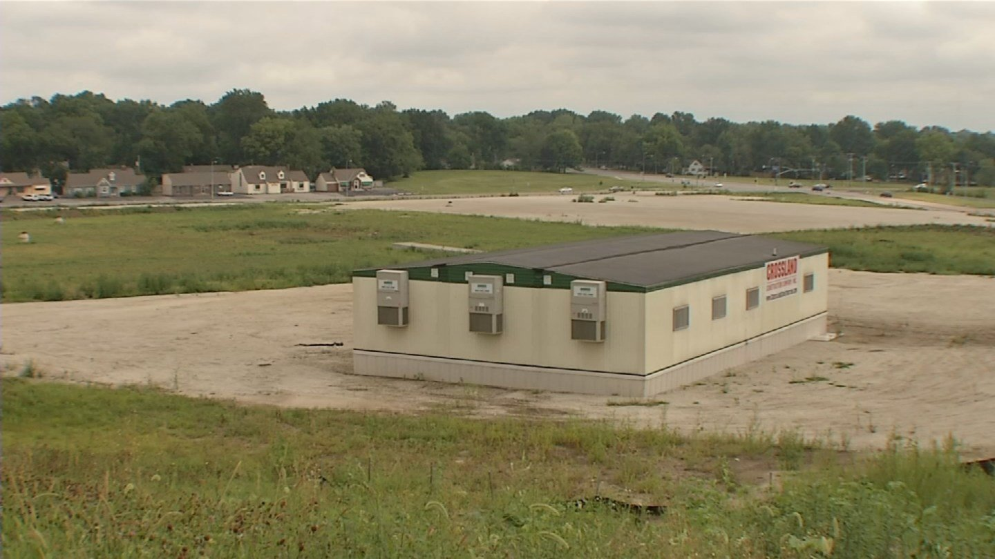 The barren site at Shawnee Mission Parkway and Johnson Drive will continue to remain without development after Walmart pulled out of the Mission Gateway project. (KCTV5)
