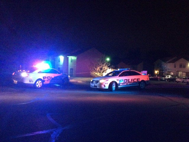 When police arrived they found a man dead in the parking lot of the Park Ridge Townhomes. (KCTV5)