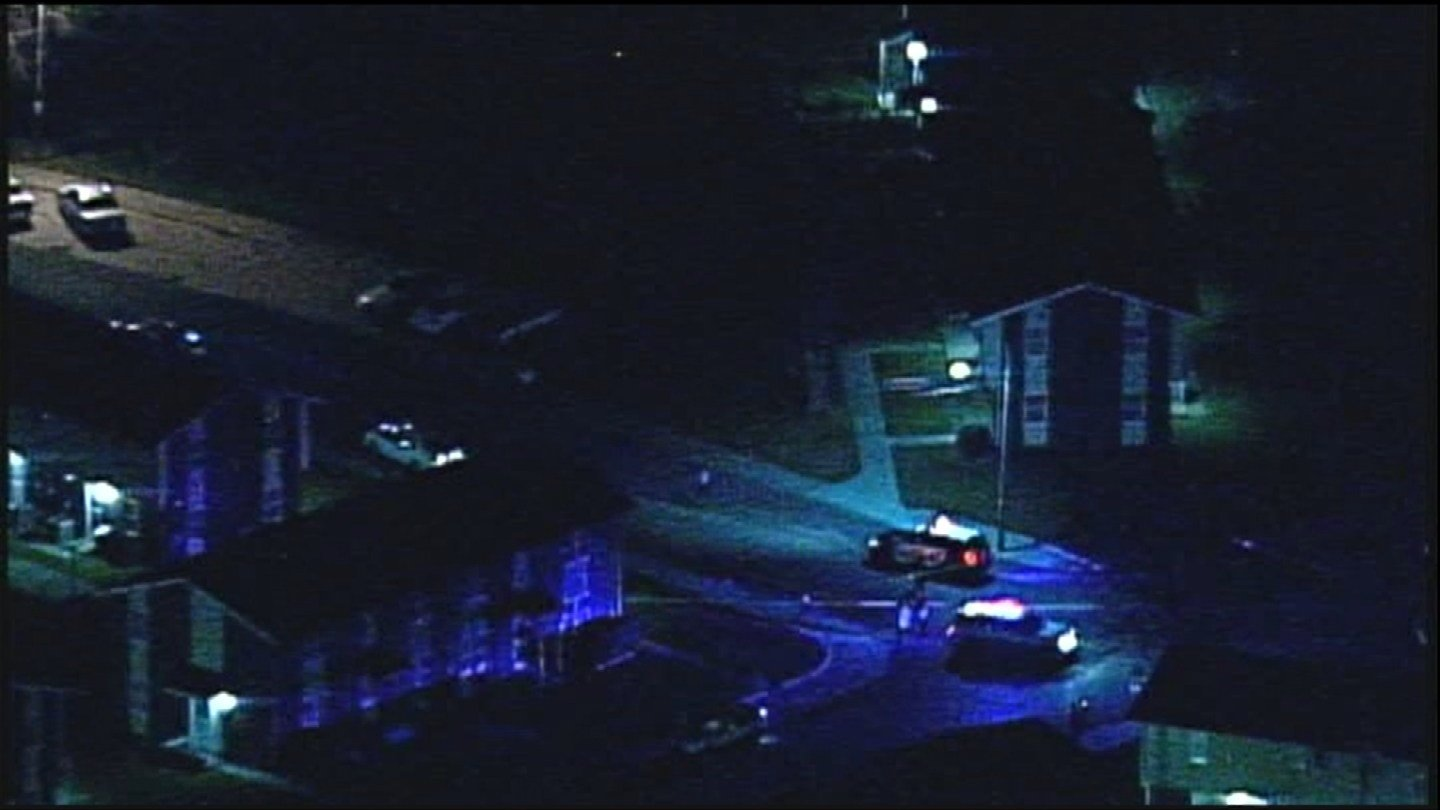 The victim at the bank then indicated to detectives that her boyfriend was being held hostage in the 200 block of North 1st Street. (Chopper 5)