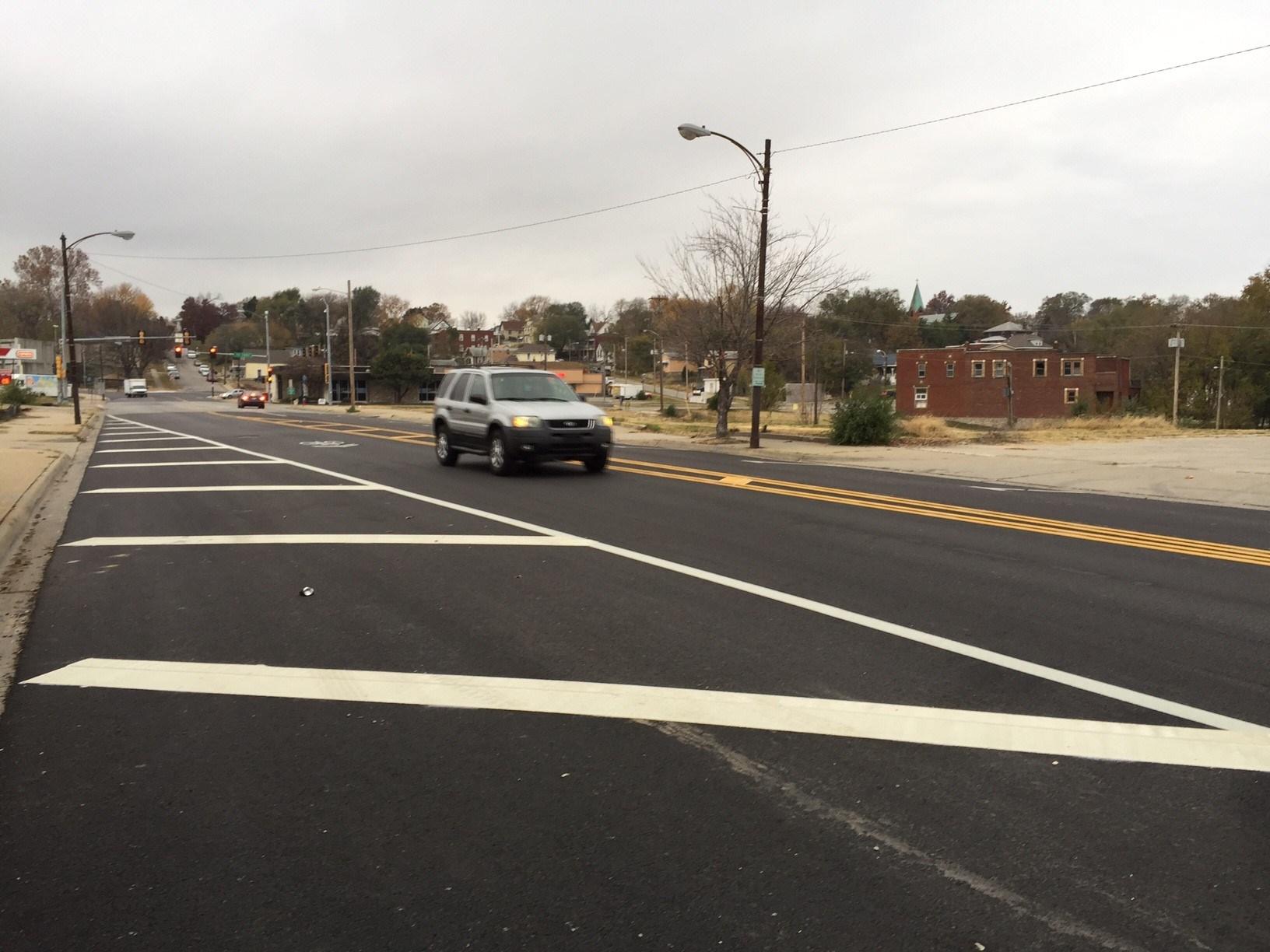 A man was found shot dead outside on the sidewalk. (Jeff Roberts/KCTV)