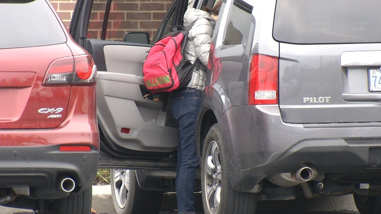 warning for parents after thieves target cars in daycare parking