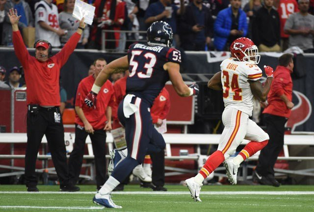 The Chiefs led from the very beginning as return man Knile Davis returned the game's opening kickoff for a 106-yard touchdown. (KCTV5)