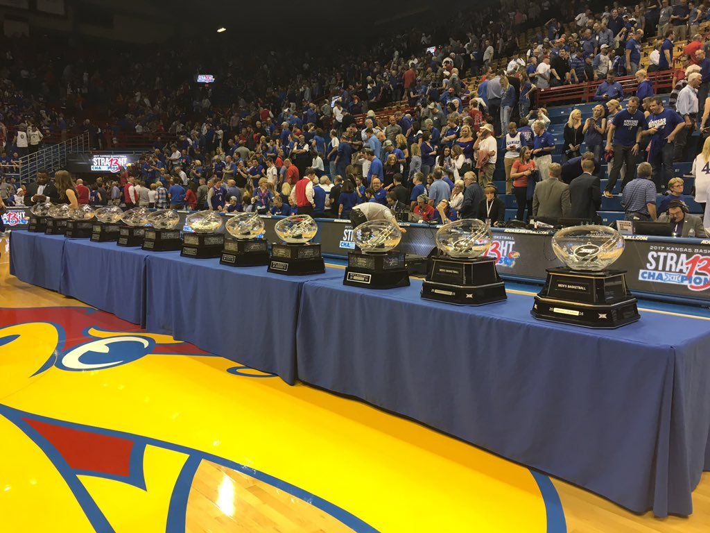 Frank Mason III scored 20 points, Carlton Bragg provided a big lift off the bench and No. 3 Kansas pulled away in the second half to beat TCU 87-68 on Wednesday night and clinch a share of its 13th consecutive Big 12 championship. (KCTV5)