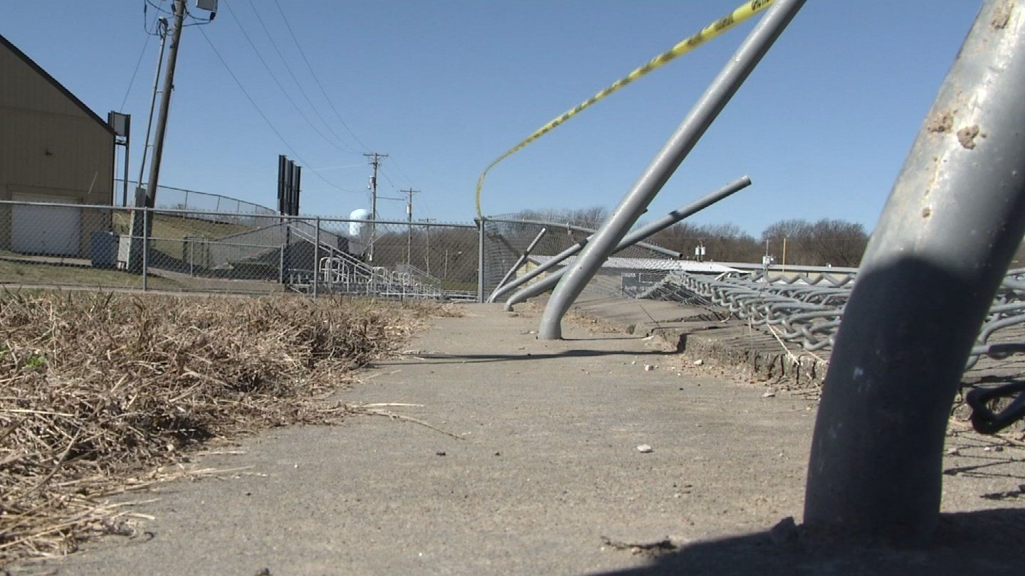 The City of Lee's Summit defended its decision Tuesday not to activate sirens. (KCTV5)
