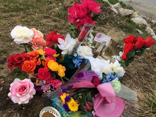 A memorial popped up not long after Toni Anderson's car and her body were found in the Missouri River. (Ashley Arnold/KCTV5 News)