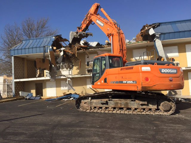 The Royale Inn has been an eyesore in The Paseo West Neighborhood, and on Monday, the demolition process began to improve the sense of pride in the area. (Andy Sherer/KCTV5 NEws)