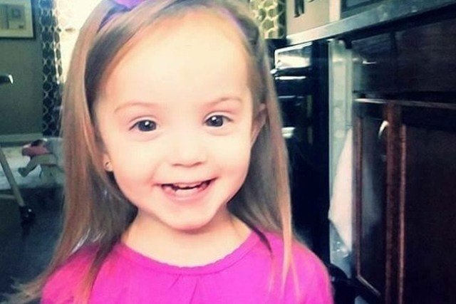 Authorities arrested Lindsey Thomasson in connection with the February 7, 2017, death of two-year-old Presley Porting. (KCTV5)