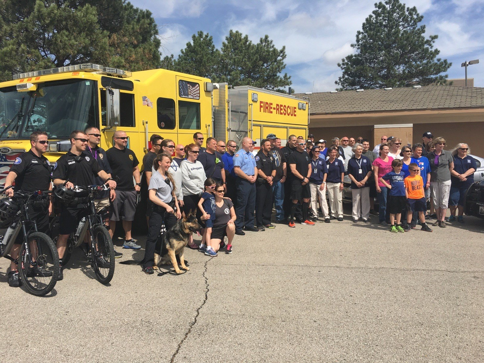 Police and fire fighters in Blue Springs joined together for a fund raiser for Independence Police Officer Thomas Wagstaff. (KCTV)