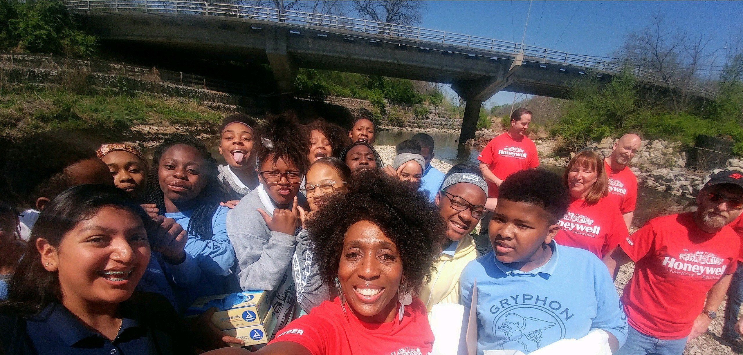 Over 60 seventh-graders from University Academy partnered up with professionals from Honeywell to get out of the classroom to sample and test the water in the community they live in. (Abigael Jaymes/KCTV5 News)