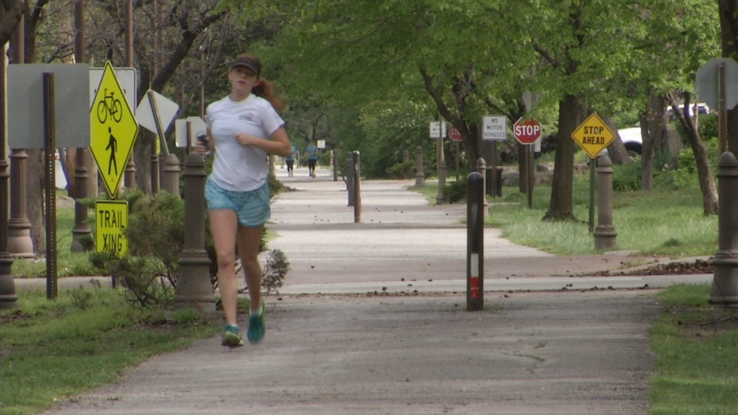 New numbers show men and women do very things very differently when they go running, but it has nothing to do with fitness -- it's all about safety. (KCTV5)