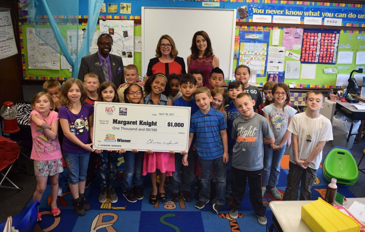 Second-grade teacher Margaret Knight received a $1,000 check from the Missouri chapter of the National Education Association. (Independence Schools via Twitter)
