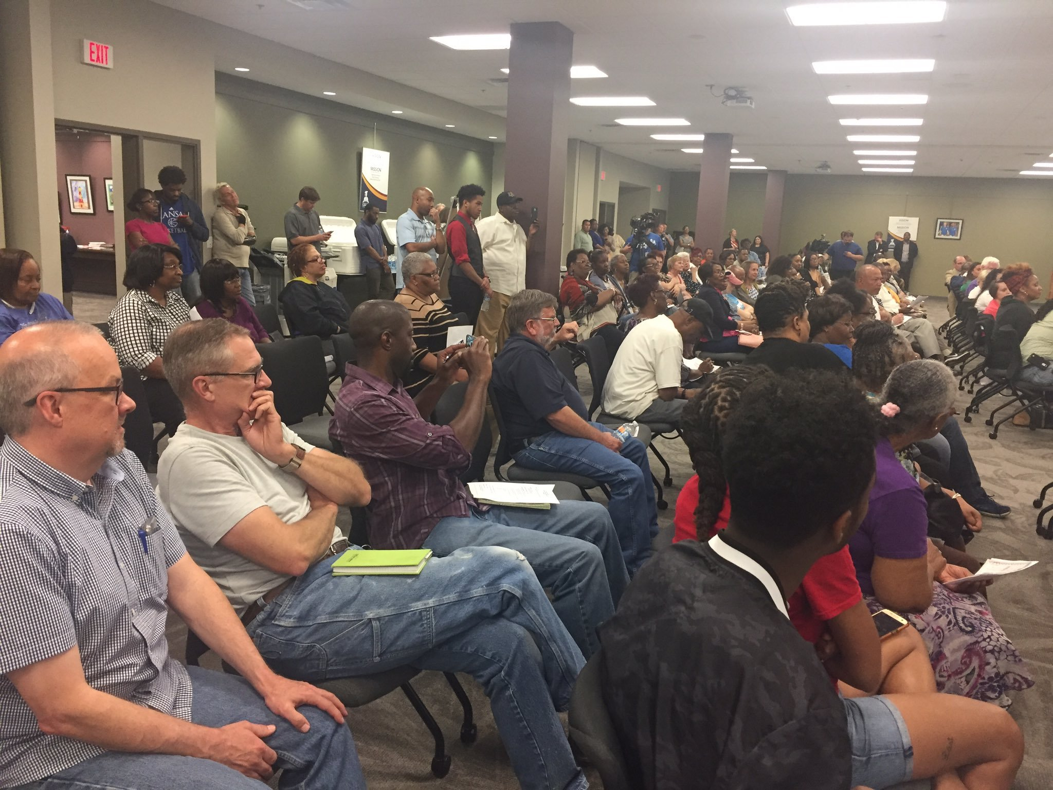 For the second time this month, citizens gave the developer an earful on the proposal, but many also made it clear it's not him they're mad at.(KCTV5)