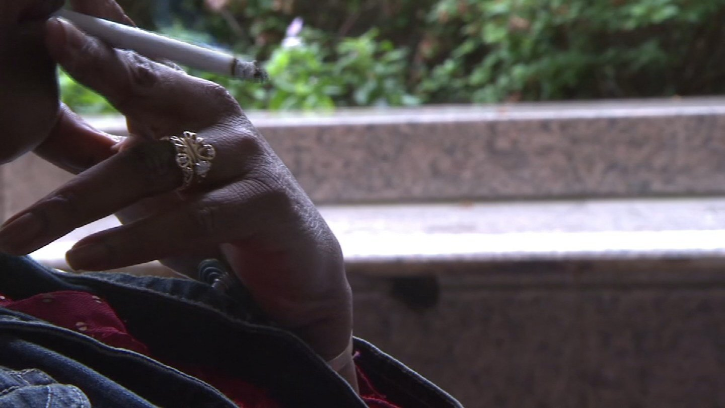 Experts say too many women in Kansas and Missouri are smoking during pregnancy, and it puts unborn babies at risk. (KCTV5)