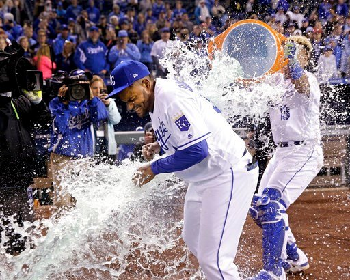 Eric Hosmer and Jorge Bonifacio hit two-run homers, and the Kansas CityRoyalssnapped a nine-game losing streak with a 6-1 victory over the Chicago White Sox on Monday night. (AP Photo)
