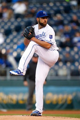 Nate Karns dazzles for Royals in 6-1 win over White Sox. (AP Photo)