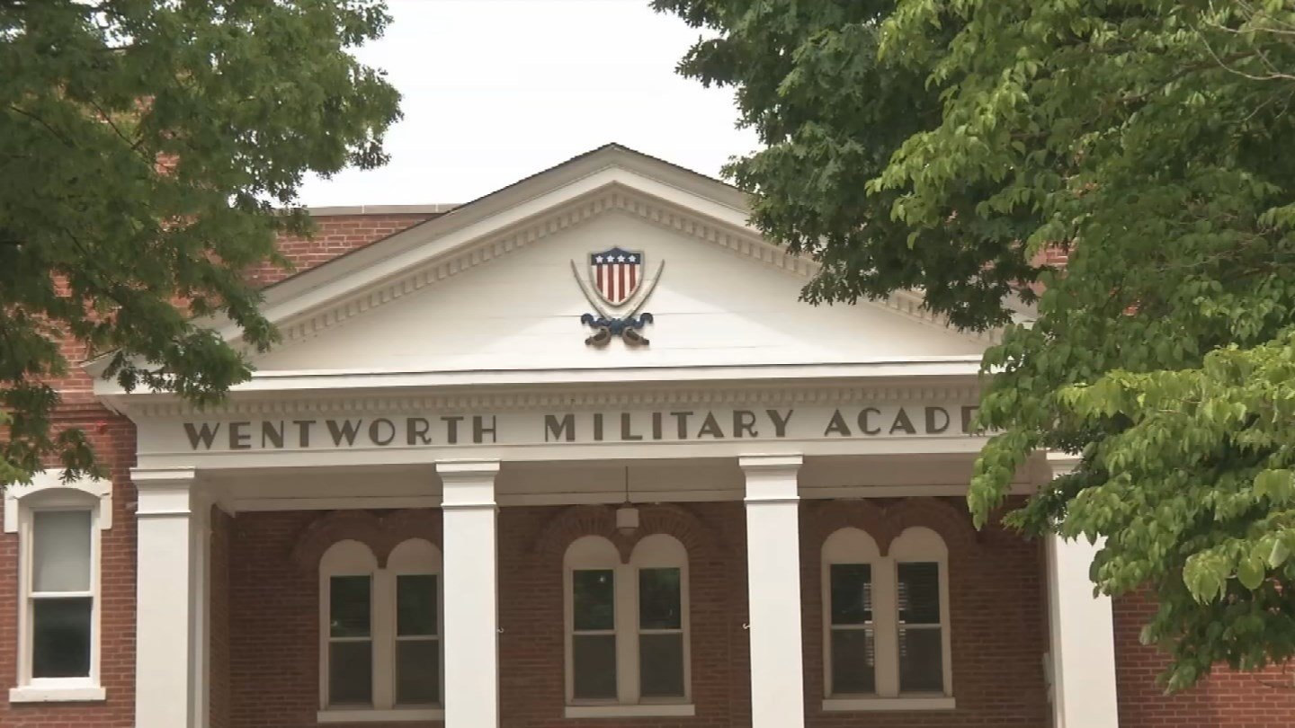 Once Wentworth Military Academy closes, more than 100 people will lose their jobs in the town of Lexington, and that has people worried. (KCTV5)