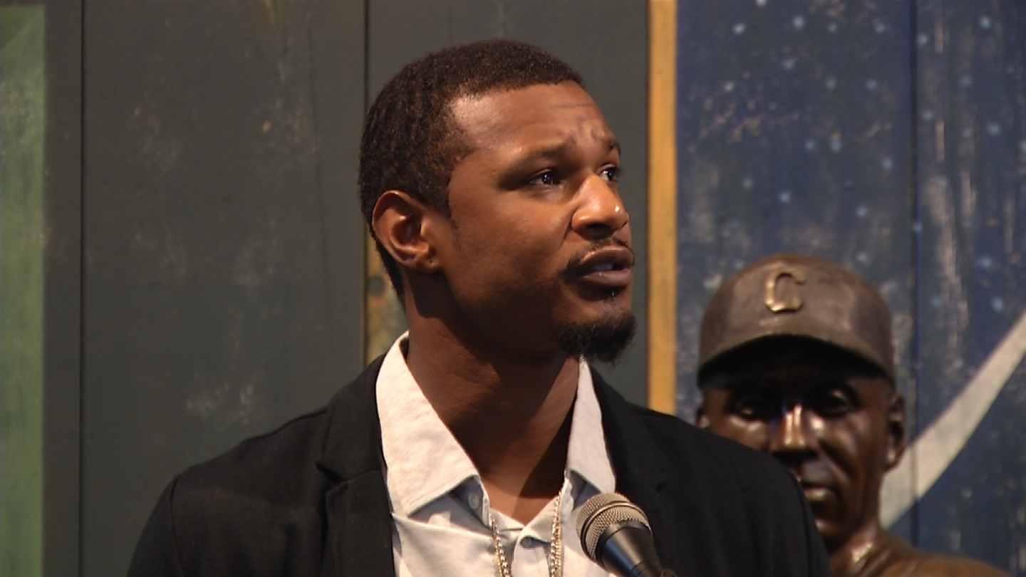 With the Negro Leagues museum as his backdrop, Baltimore Orioles outfielder Adam Jones said the recent racial taunting he endured in Boston shows there needs to be more dialogue about diversity. (KCTV)