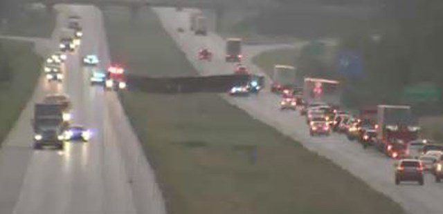 The accident happened about 5:10 a.m. on northbound Interstate 35 past Sunflower Road. (KCTV5)