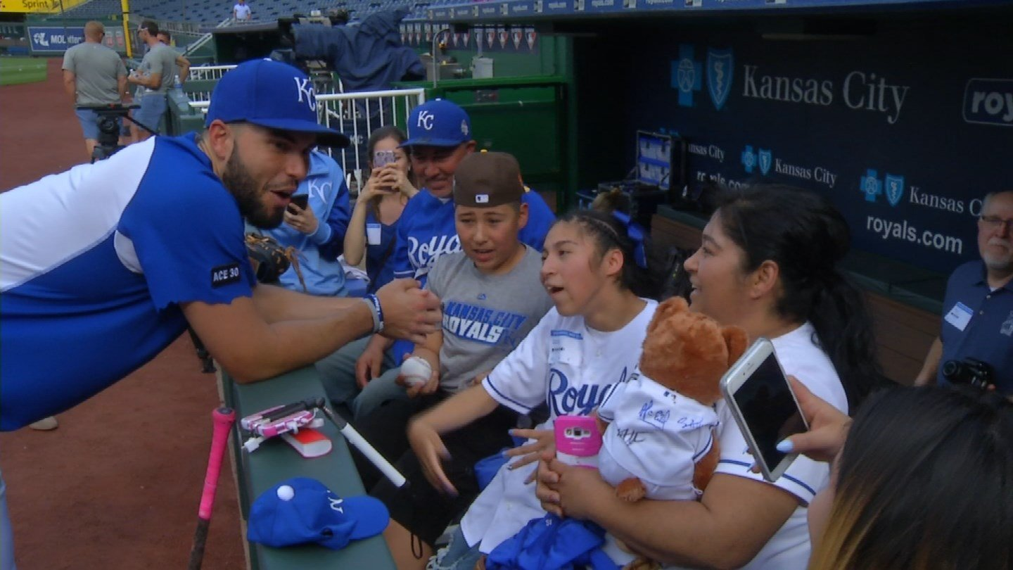 The Sanchez family could not have been more ecstatic. KCTV5 News was there as Hosmer greeted the Sanchez family, turning a special day into an unforgettable memory. (KCTV5)