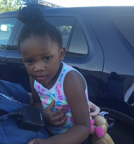 UPDATE: Parents united with 3-year-old girl found by Kansas City police