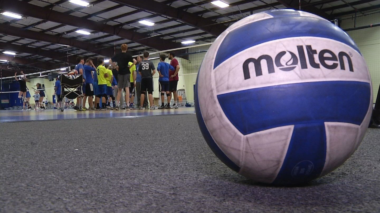 In schools across the metro, volleyball is an incredibly popular sport for girls, but there is a growing push for boy's volleyball. (KCTV5)