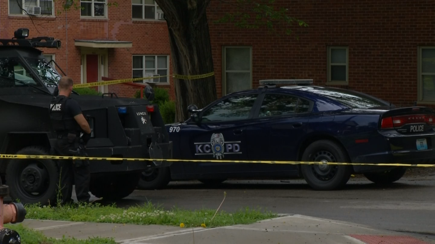 The standoff in the 3000 block of East 49th St.lasted about an hour. (KCTV)