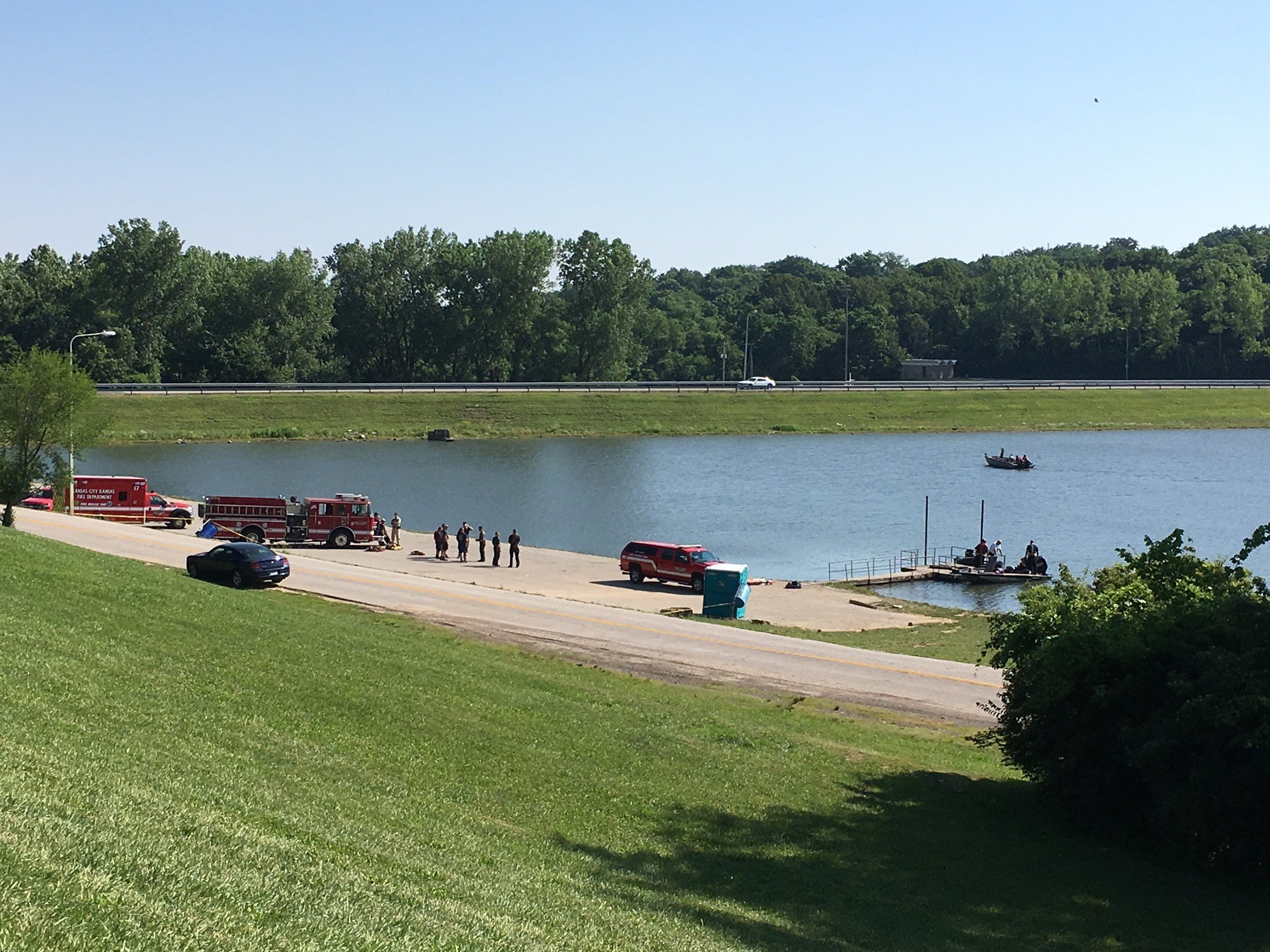 Authorities were searching the lake at Pierson Park for a person who may have drowned. (KCTV/Eric Smith)
