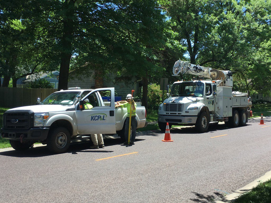 Some in Overland Park remain without power. (Natalie Davis/KCTV5)