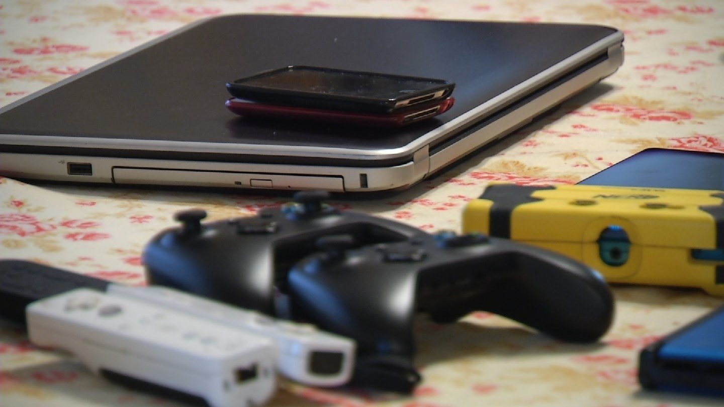 Do you think someone in your family is addicted to technology? (KCTV5)