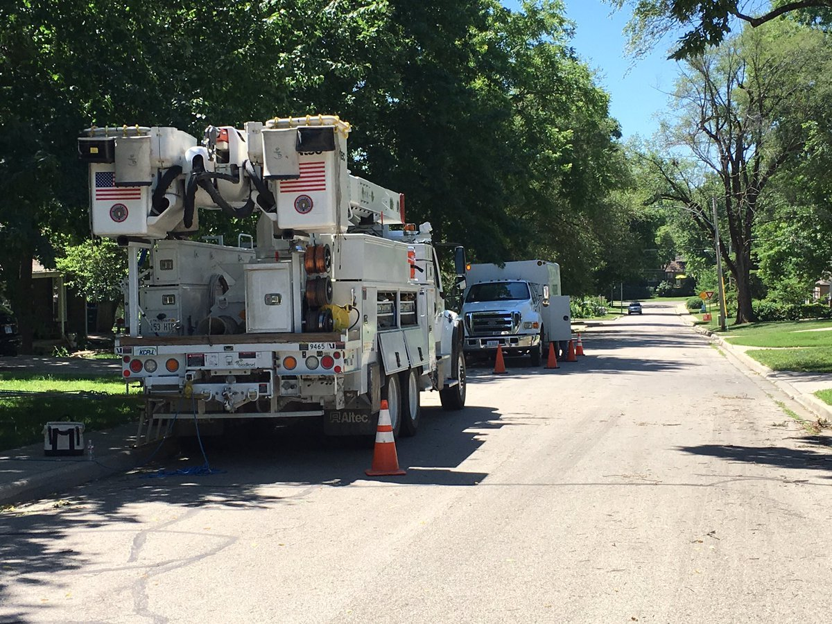 Hundreds of people in the metro still don't have power, three days after a powerful storm. (Kelli Taylor/KCTV5 News)