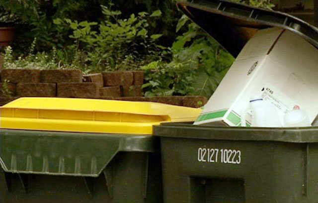 Trash bills in Roeland Park could be going up after the city voted unanimously Monday to approve a sub-agreement for trash services. (KCTV)