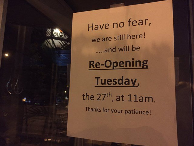 A sign has been posted by the restaurant, thanking customers for their patience. (KCTV5)