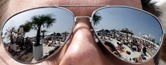 Despite the danger of UV eye exposure, one in every four Americans say it doesn't concern them. (AP)