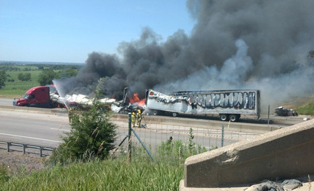 5 killed in fiery crash Tuesday on I-70 near Bonner Springs