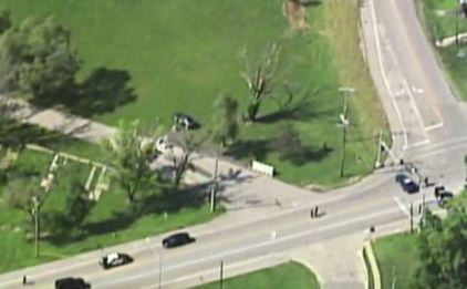 Police in Kansas City and Riverside are searching for a suspect near NW Waukomis Drive and NW Vivion Road. (Chopper 5)