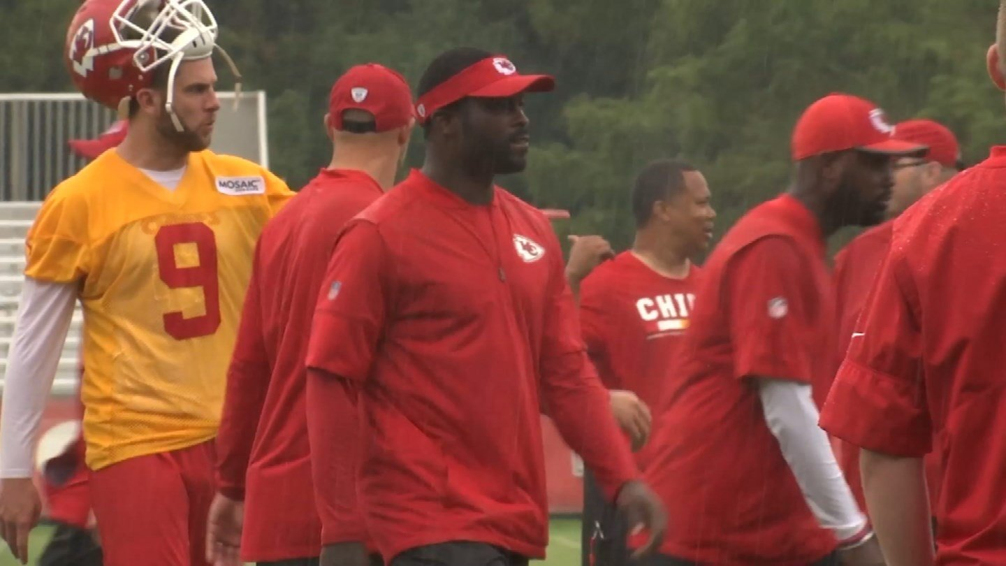 If Michael Vick is looking to get into coaching, he has the perfect man in his corner. (KCTV5)