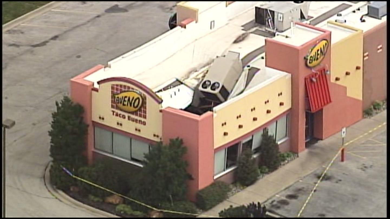 A Belton Taco Bueno's roof fell in due to last night's heavy rain. (KCTV)