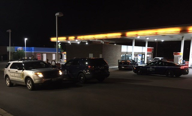 It happened about 1 a.m. at the Shell gas station located at 5401 NW 64th Terrace. (KCTV5)