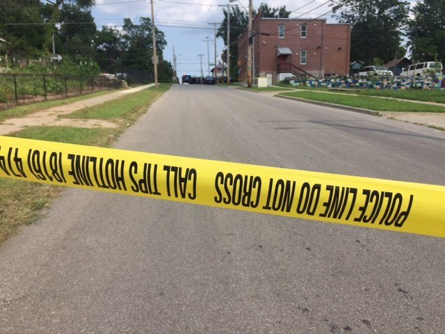 Police in Kansas City are investigating a homicide at 37th and Woodland. (Kimo Hood/KCTV5 News)