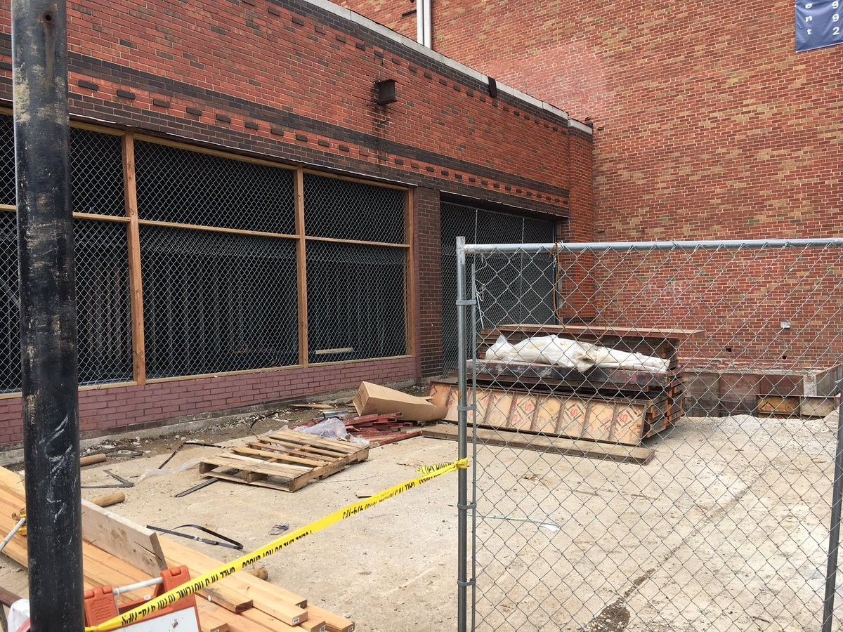 Construction crews digging in downtown have uncovered some bones, Kansas City police say. (Ashley Arnold/KCTV5 News)