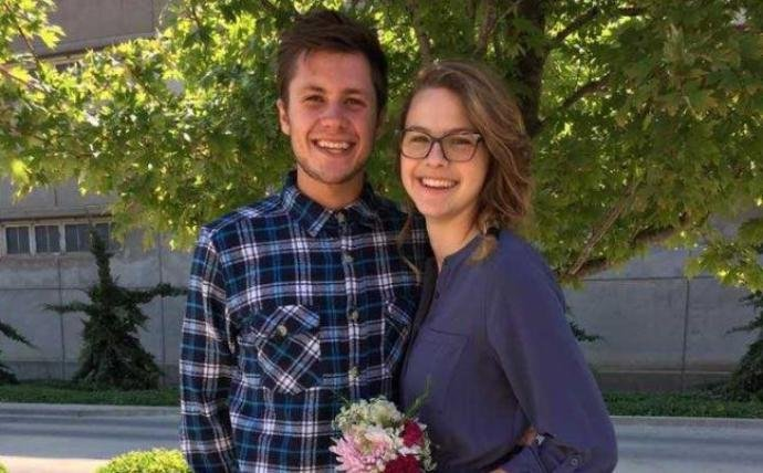 Kansas couple killed in auto crash one day after their wedding