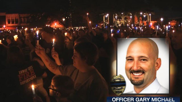 The small, heartbroken town of Clinton has said their final farewells to officer Gary Michael who paid the ultimate sacrifice. (KCTV5)