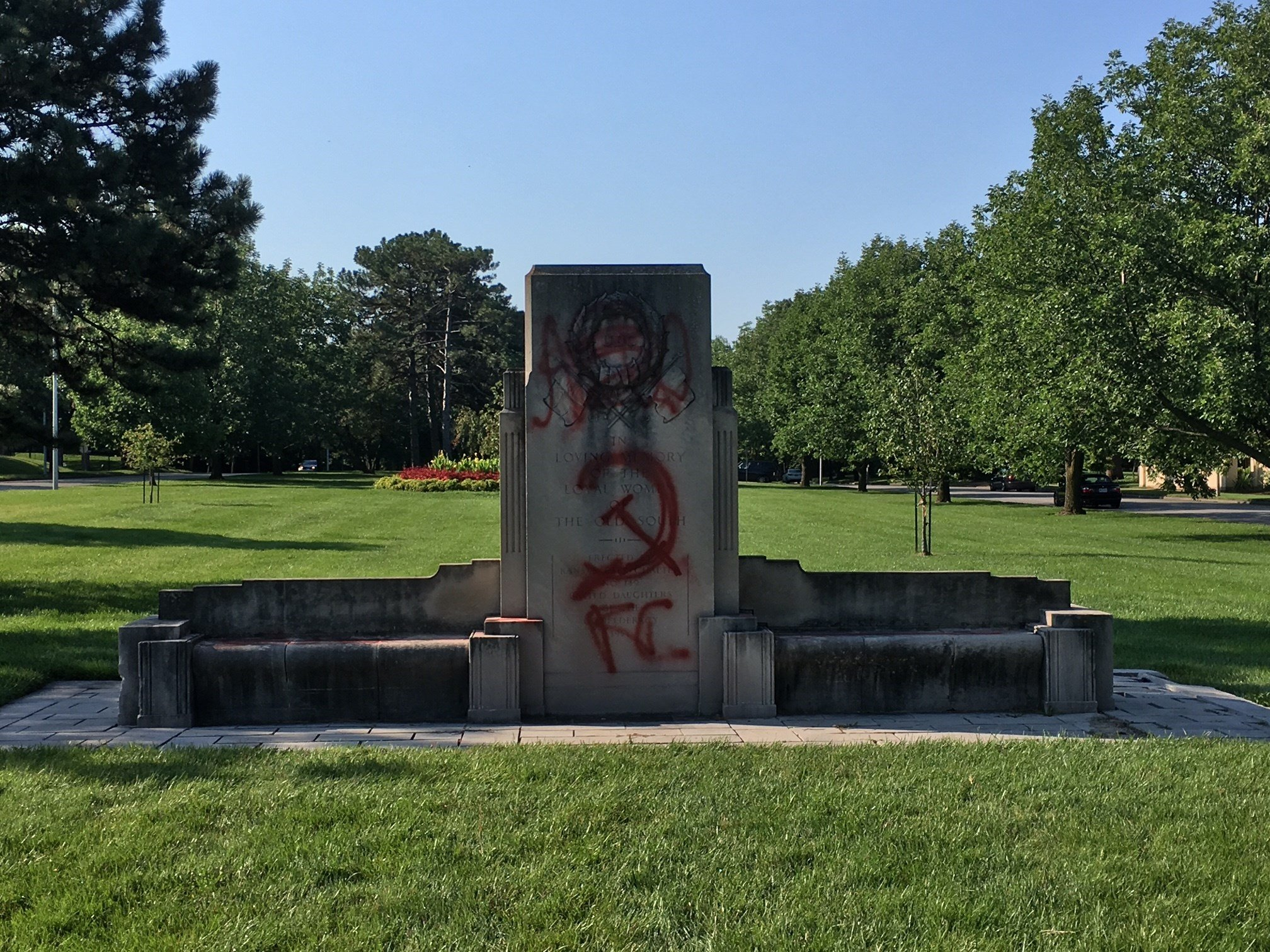"A picture of the vandalized ""United Daughters of the Confederacy"" monument. (Eric Smith/KCTV)"